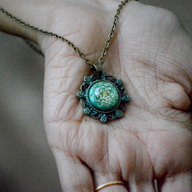 Emerald Prang Necklace