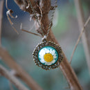 Frosted Daisy Necklace