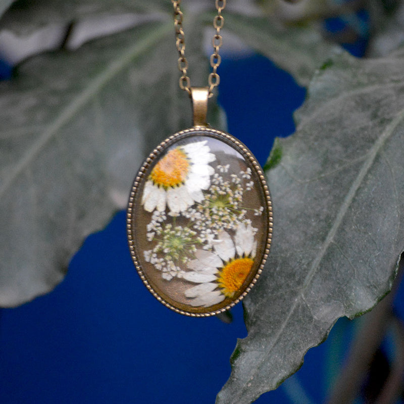 An Ivory Cosmos Necklace