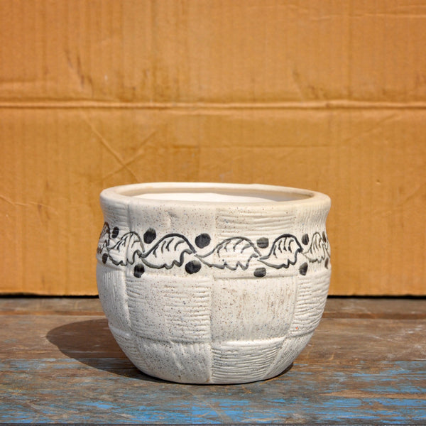 Medium Cross-Lined Ceramic Pot