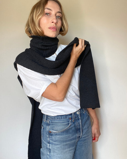 new : t-neck scarf