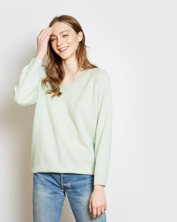 superlight cashmere v-neck sweater catherine pale green