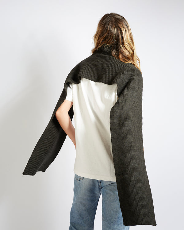 virgin wool  turtleneck scarf ebony