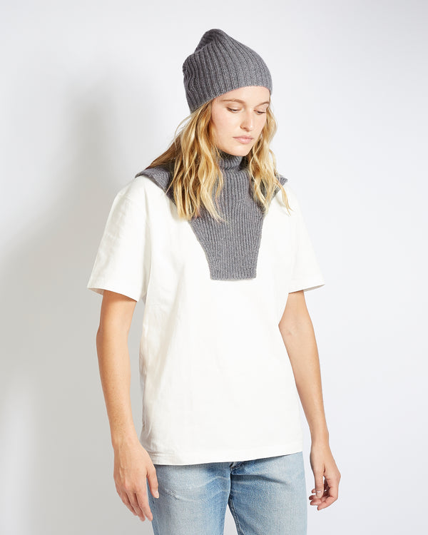 grey cashmere turtleneck plastron