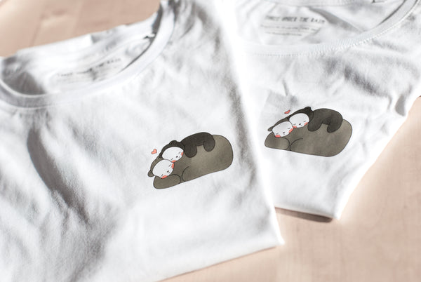 Unisex Cuddly Bears Three Under the Rain T-Shirt
