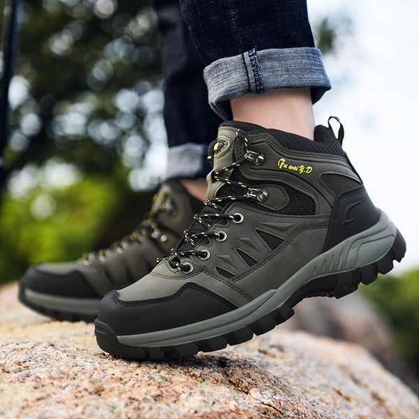 High-top Outdoor Men Hiking Shoes Waterproof 2019 Autumn and Winter Trekking Shoes Men Casual Warm Mens Mountain Shoes Climbing