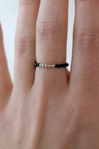 Bague Elastique Mila Spinelle Noir - Jolly Jungle