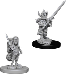 Dungeons & Dragons: Nolzur's Marvelous Unpainted Miniatures - Male Halfling Fighter