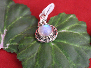 Moonstone set in .925 Silver Pendant