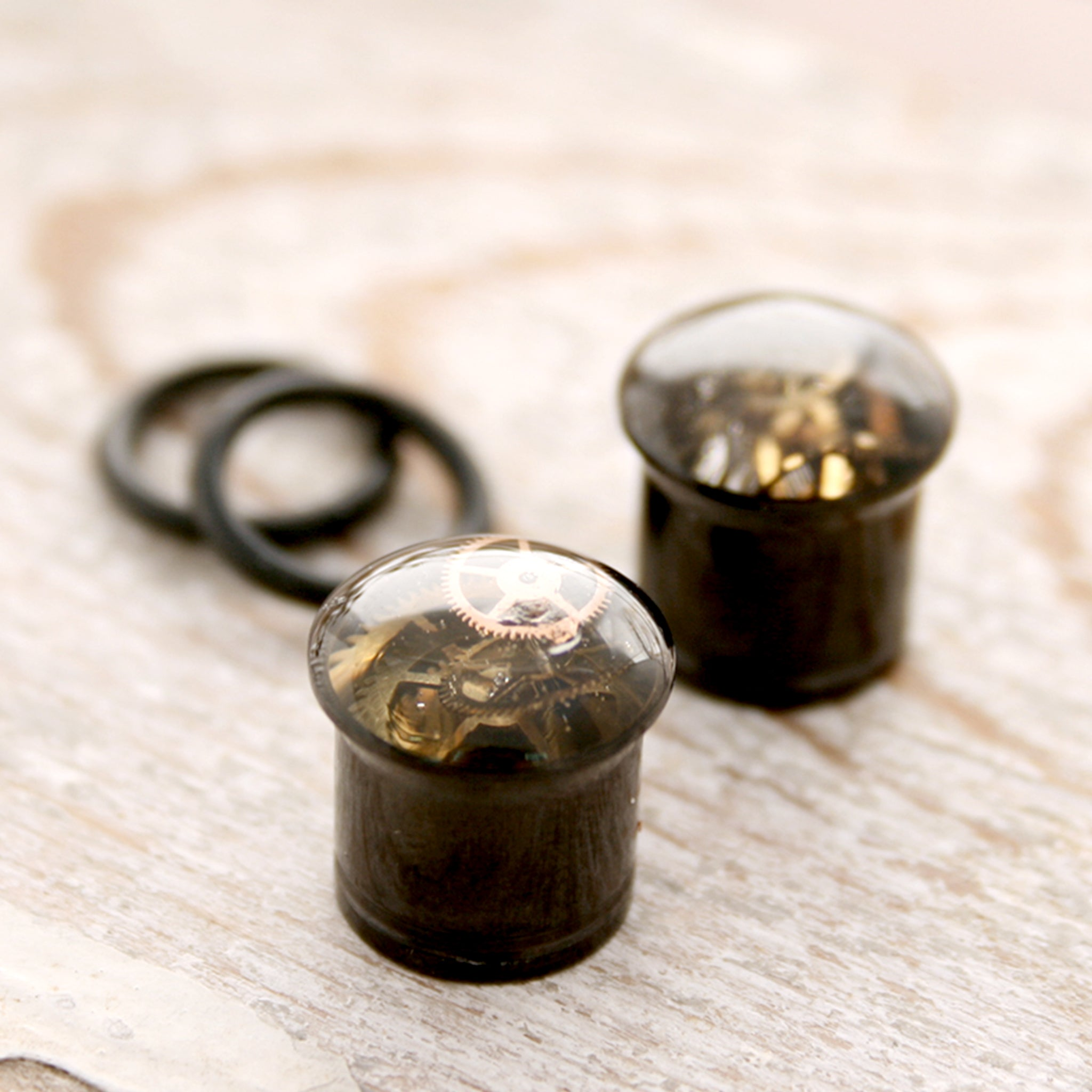 Small o-ring steampunk ear gauges