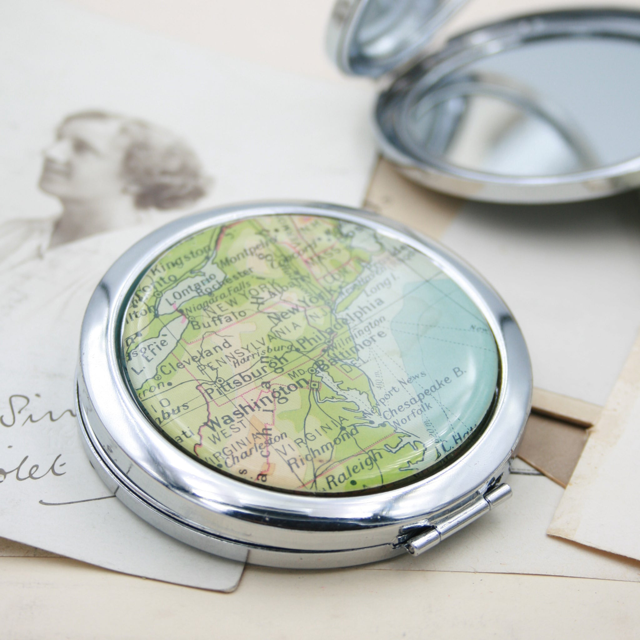 Personalised Compact Mirror in silver color featuring map of New York