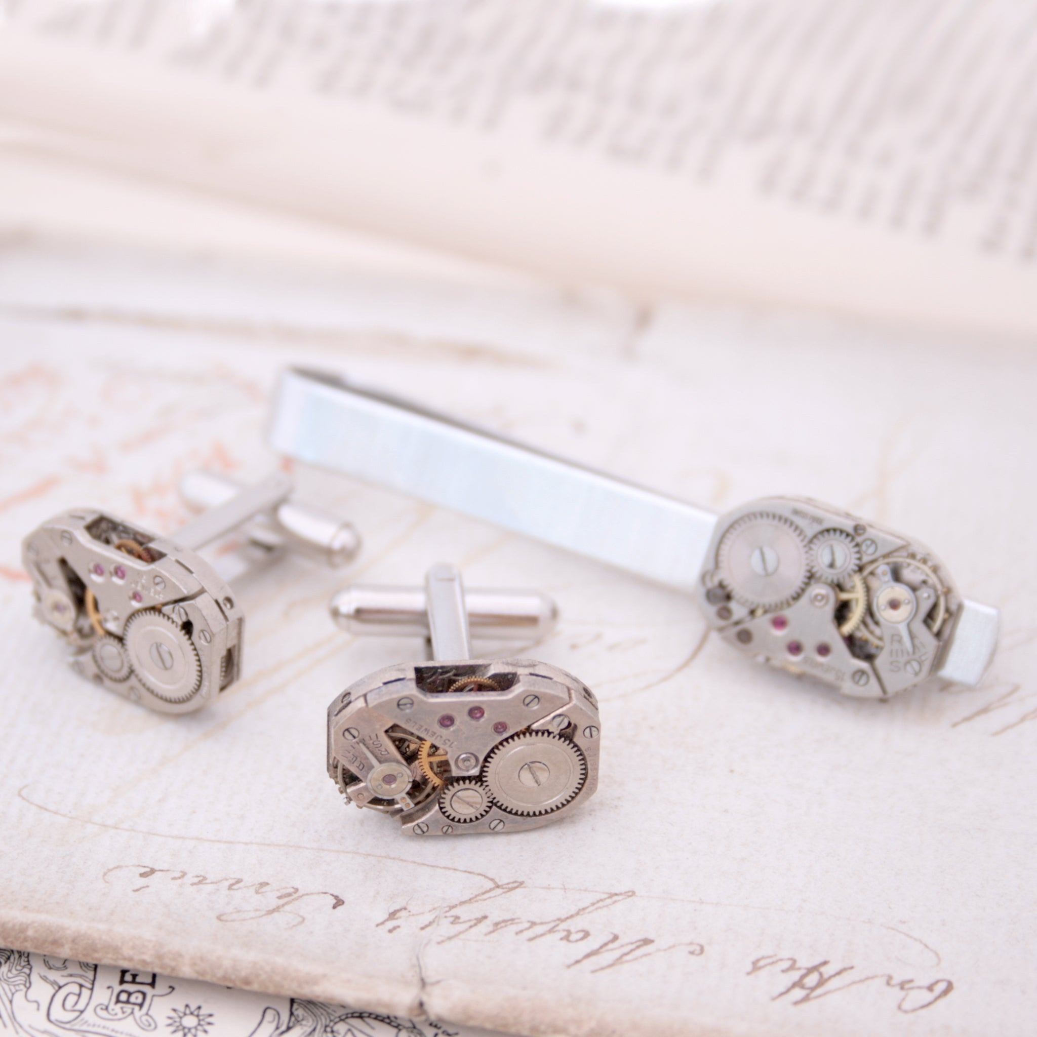 Tie Bar and Cufflinks in Steampunk Style