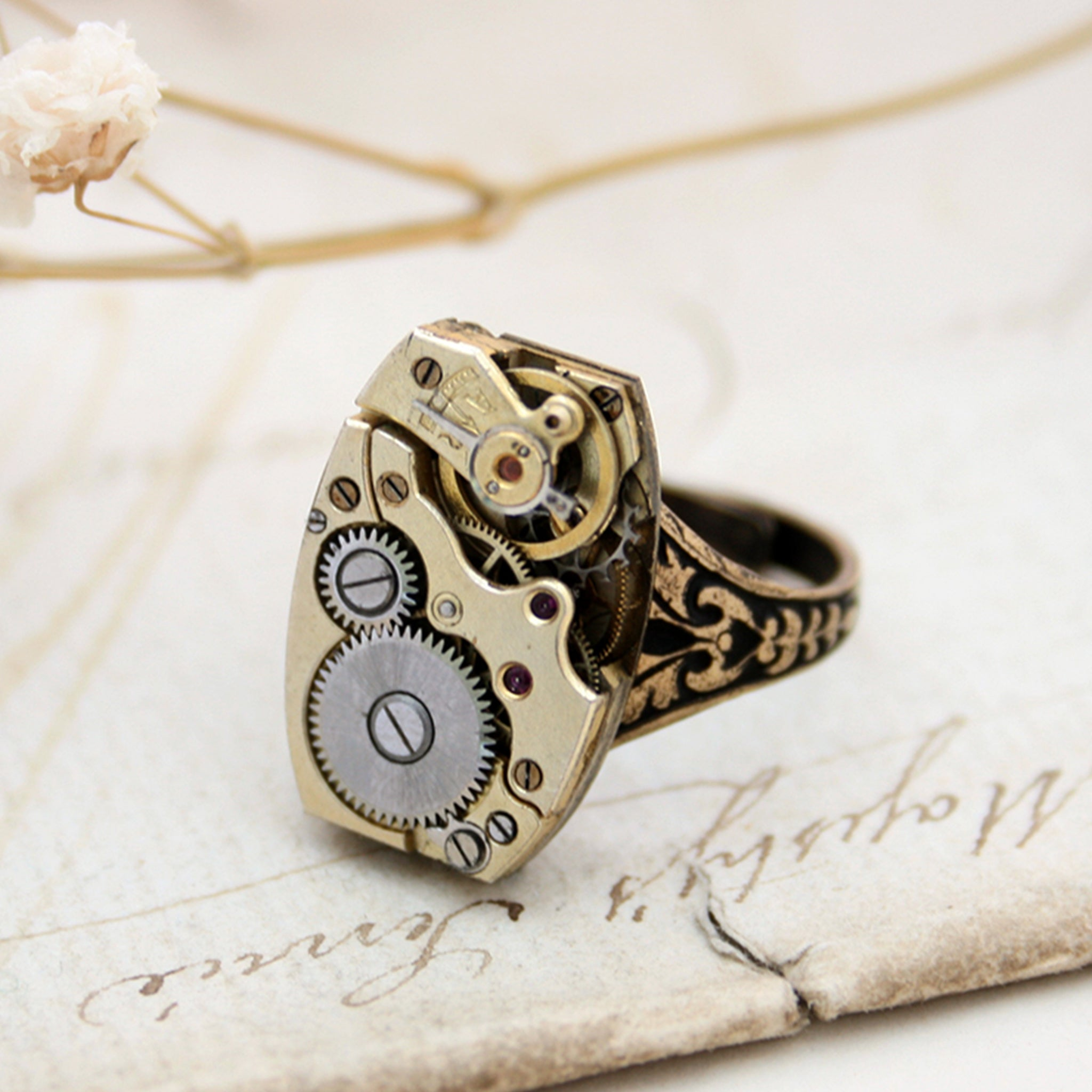 Golden Steampunk Signet Ring in Golden color