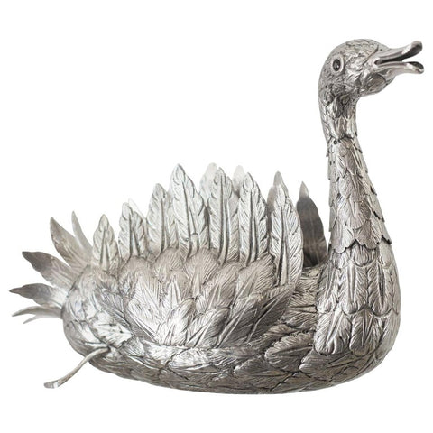 CONTEMPORARY 925 HAND CHASED STERLING SILVER SWAN