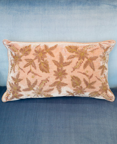 EMBROIDERED PILLOW IN VINTAGE PLUM