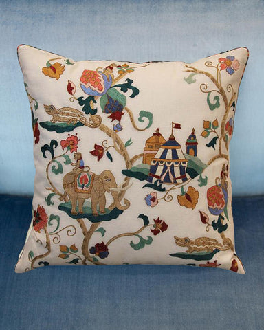 EMBROIDERED COTTON PILLOW WITH CIRCUS THEME