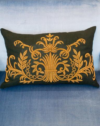 EMBROIDERED METALLIC PILLOW ON LINEN