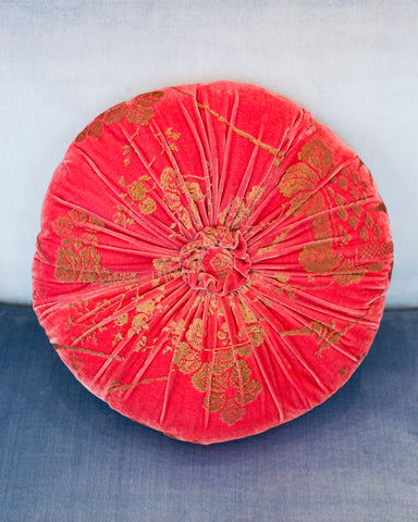 ROUND STRAWBERRY & GOLD VELVET PILLOW