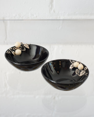 PAIR OF BLACK HORN BOWLS WITH 925 STERLING SILVER LEAFS AND WHITE AGATE BERRIES