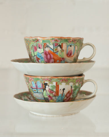 ANTIQUE PAIR OF CHINESE ROSE MEDALLION TEACUP & SAUCER