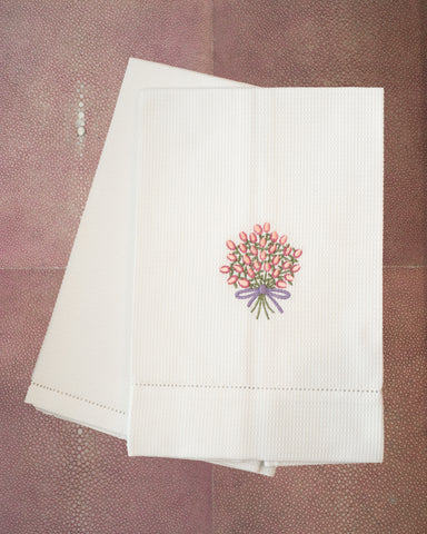 COTTON GUEST TOWEL EMBROIDERED WITH A BUNCH OF PINK FLOWERS