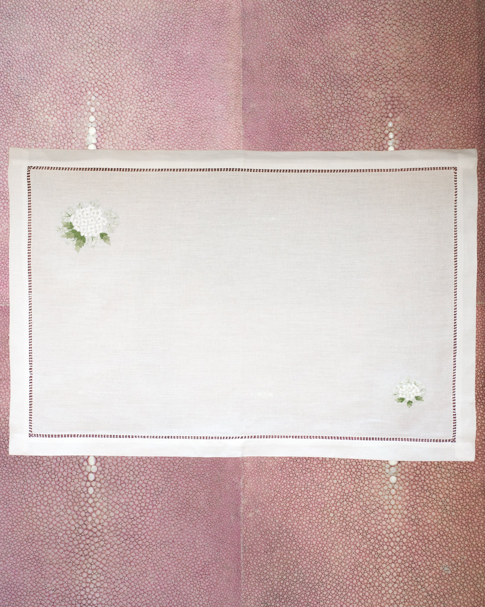 SET OF 12 LINEN PLACEMATS WITH EMBROIDERED WHITE MIMOSAS