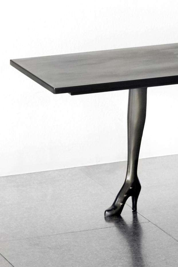 Leda Low Table - Sculpture | Black Label - Limited Edition - TERTIUS COLLECTION