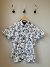 Load image into Gallery viewer, Emerson Woven T-Shirt - Metanoia Boutique