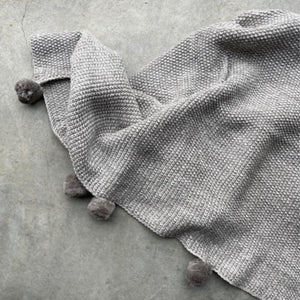 Couverture Pompons Tricot Soft Grey