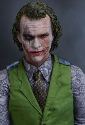 The Dark Knight The Joker 1/4TH Scale Collectible Figure