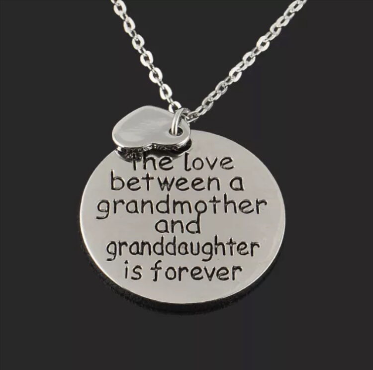 Love Between a Grandmother & Grand Daughter Necklace - Wolrdiscounts