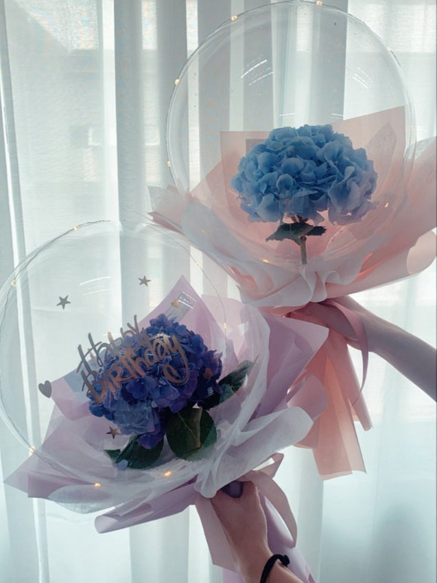hydrangeas flower in balloon bouquet