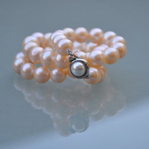 Rose Pearl Necklace (Medium Pearls)