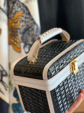 Load image into Gallery viewer, Black & White Rattan bag