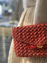 Load image into Gallery viewer, Pink Coral Woven Rafia Handbag
