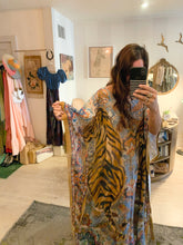Load image into Gallery viewer, tiger caftan
