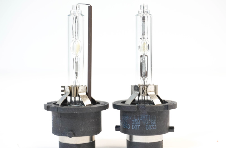 HID BULBS: D2H 5500K (PAIR)