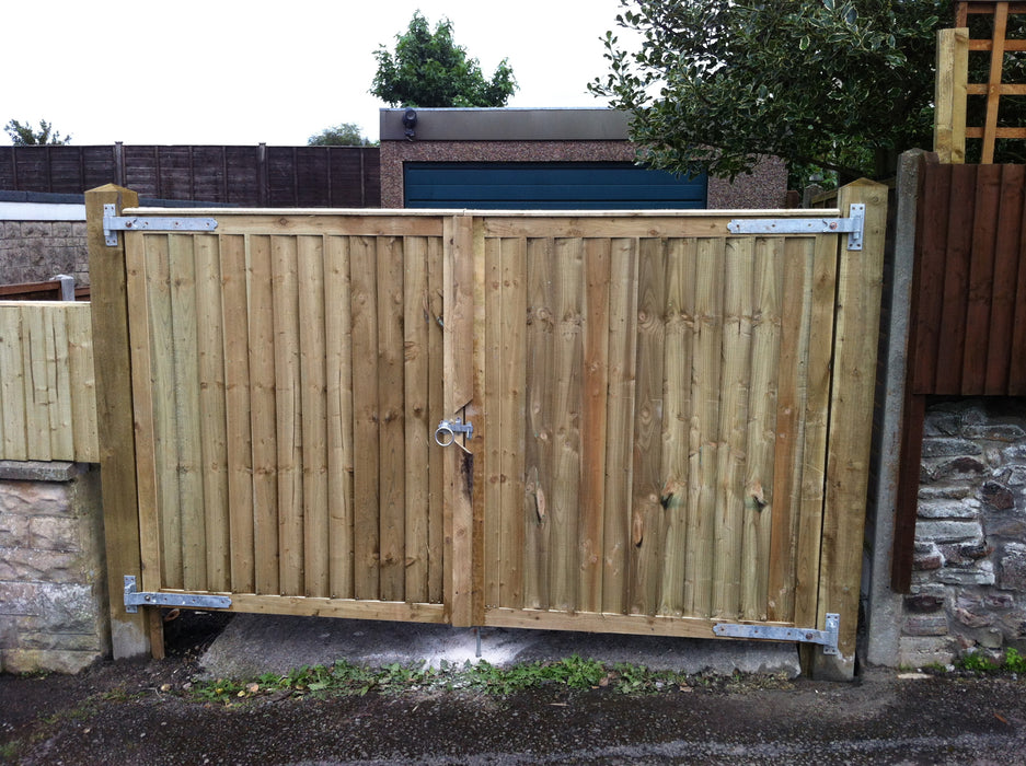 Featheredge Driveway gates (Flat top)