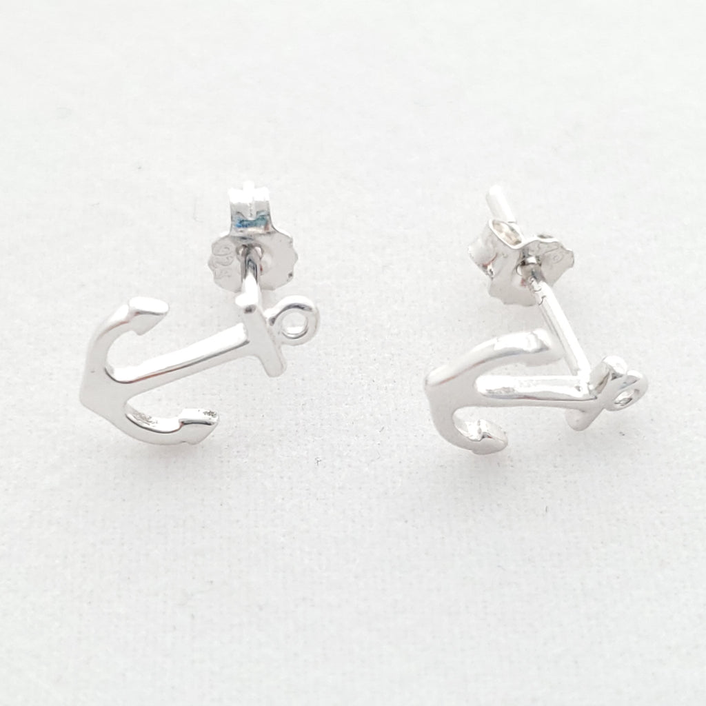 small silver anchor post earrings