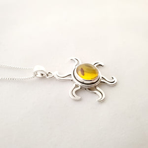 Side view of sunshine amber necklace