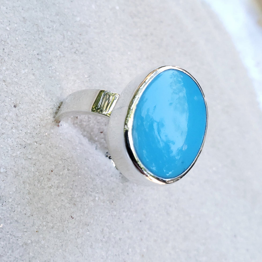 Oval turquoise silver ring