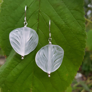 White twisted leaf bead earrings