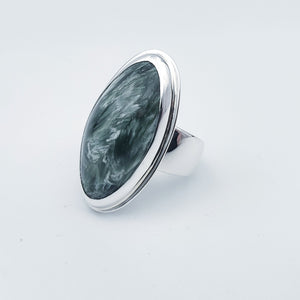 Green oval bezel set seraphinite ring