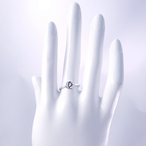 Maine ring on mannequin hand
