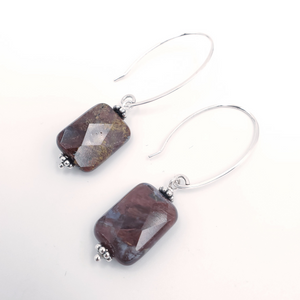 Faceted rectangular agate earrings