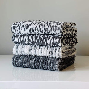 Gris Abstract Stripe Cozi Towel