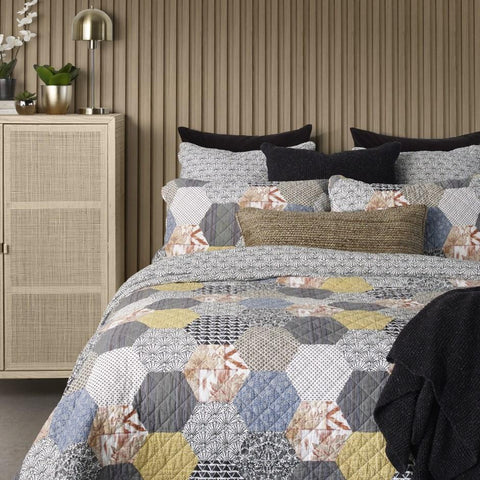 Abee Quilt Set - Lady of the Lake