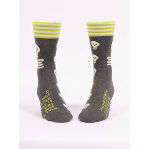 products/i-almost-died-but-it-was-just-a-cold-mens-socks-380353.png