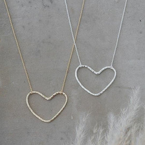 products/love-necklace-915070.jpg