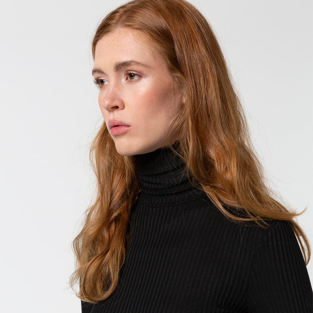 Liapure Iconic Rib Turtleneck